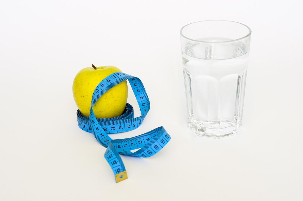 Beba água, varias veze ao dia,sua saúde pele e cabelo agradece